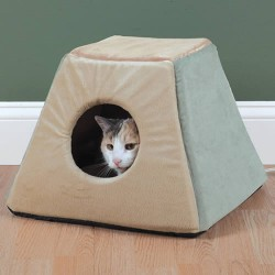 Heated cat bed house